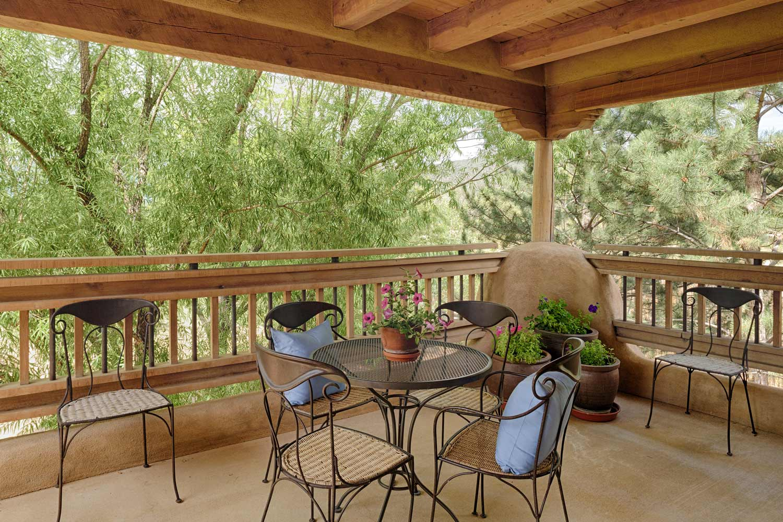 guest-house-porch-1.jpg