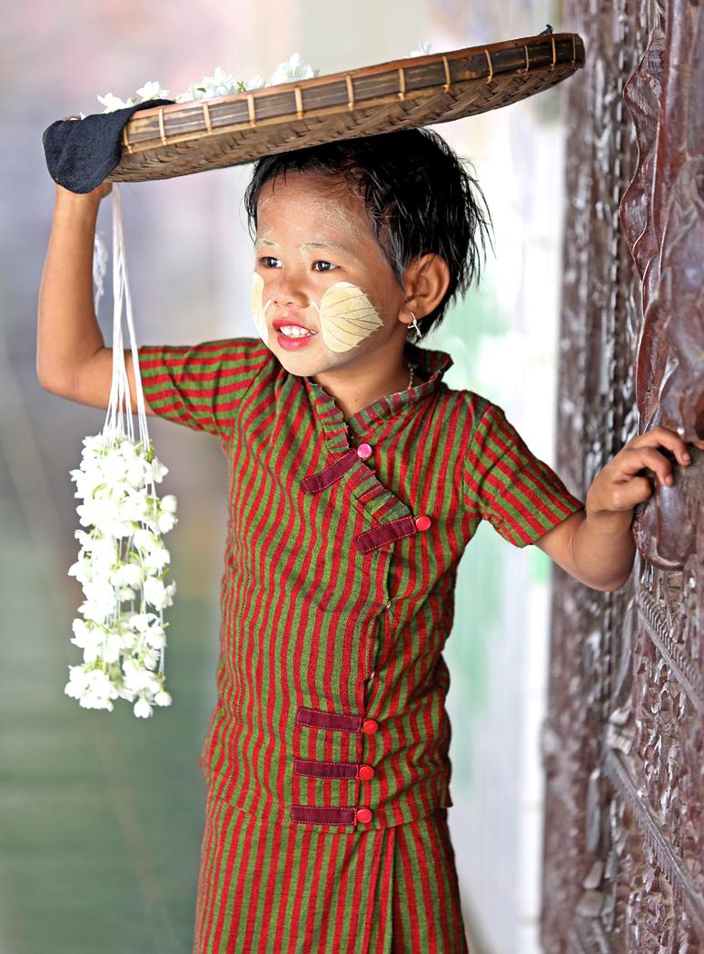 Myanmar Temple child_KateThompson_BPIC.jpg