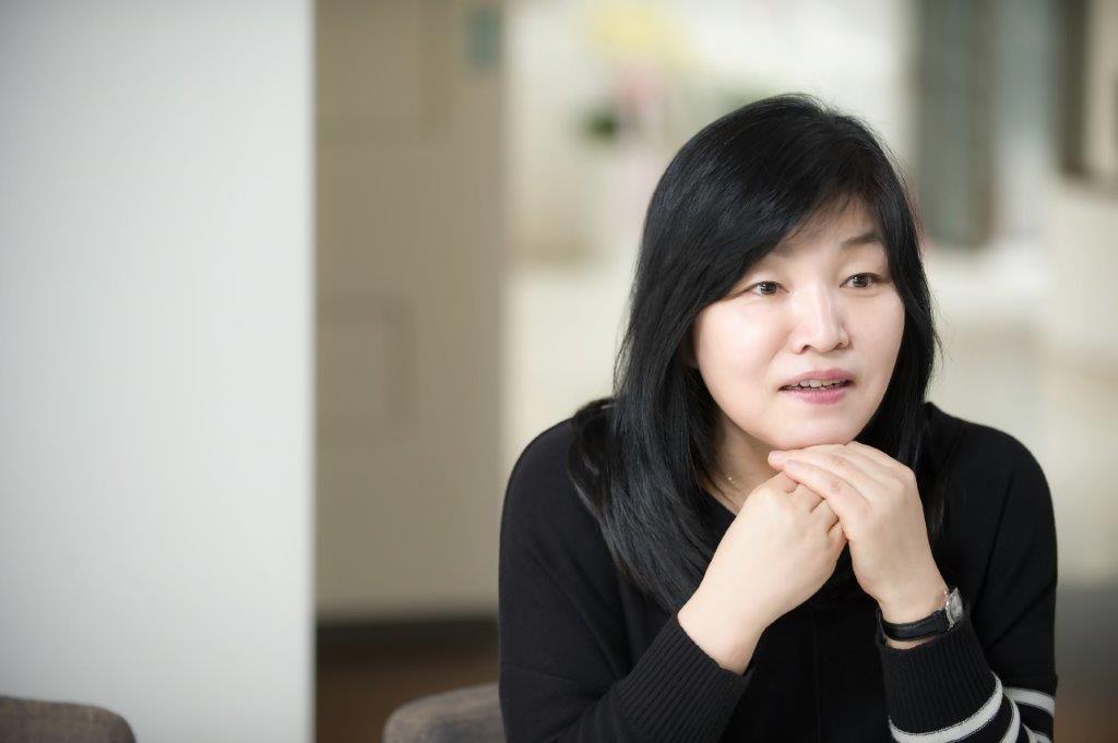 Kyung-sook Shin 4_no credit line.jpg