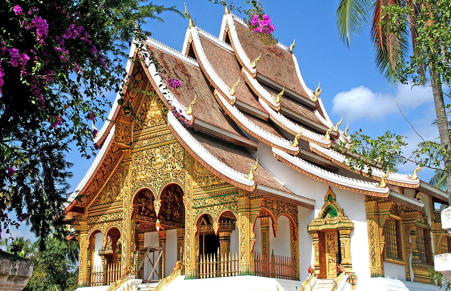 temple-in-luang-prabang--laos-sara-perez-de-arenaza.jpg