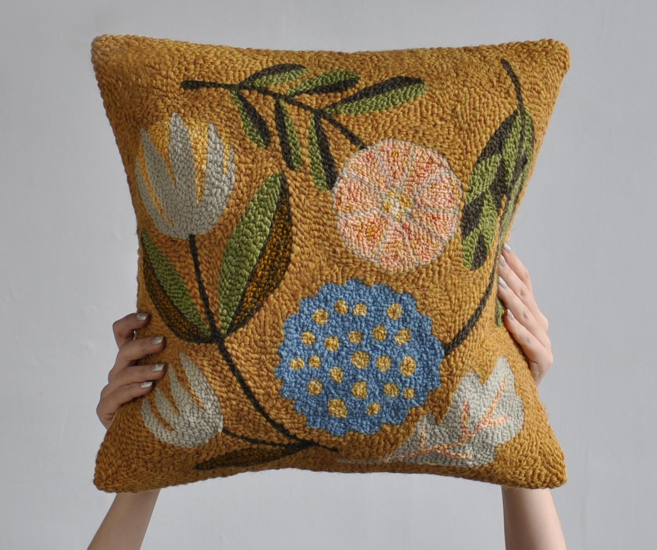 flower square cushion punch needle 3.jpg