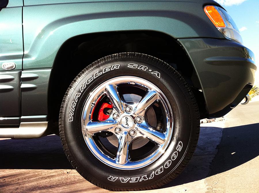 jeepgrandcherokee passenger front wheel-tire.png