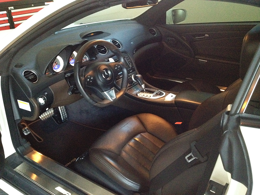 mercedes benz sl63 iwc edition interior (12).png
