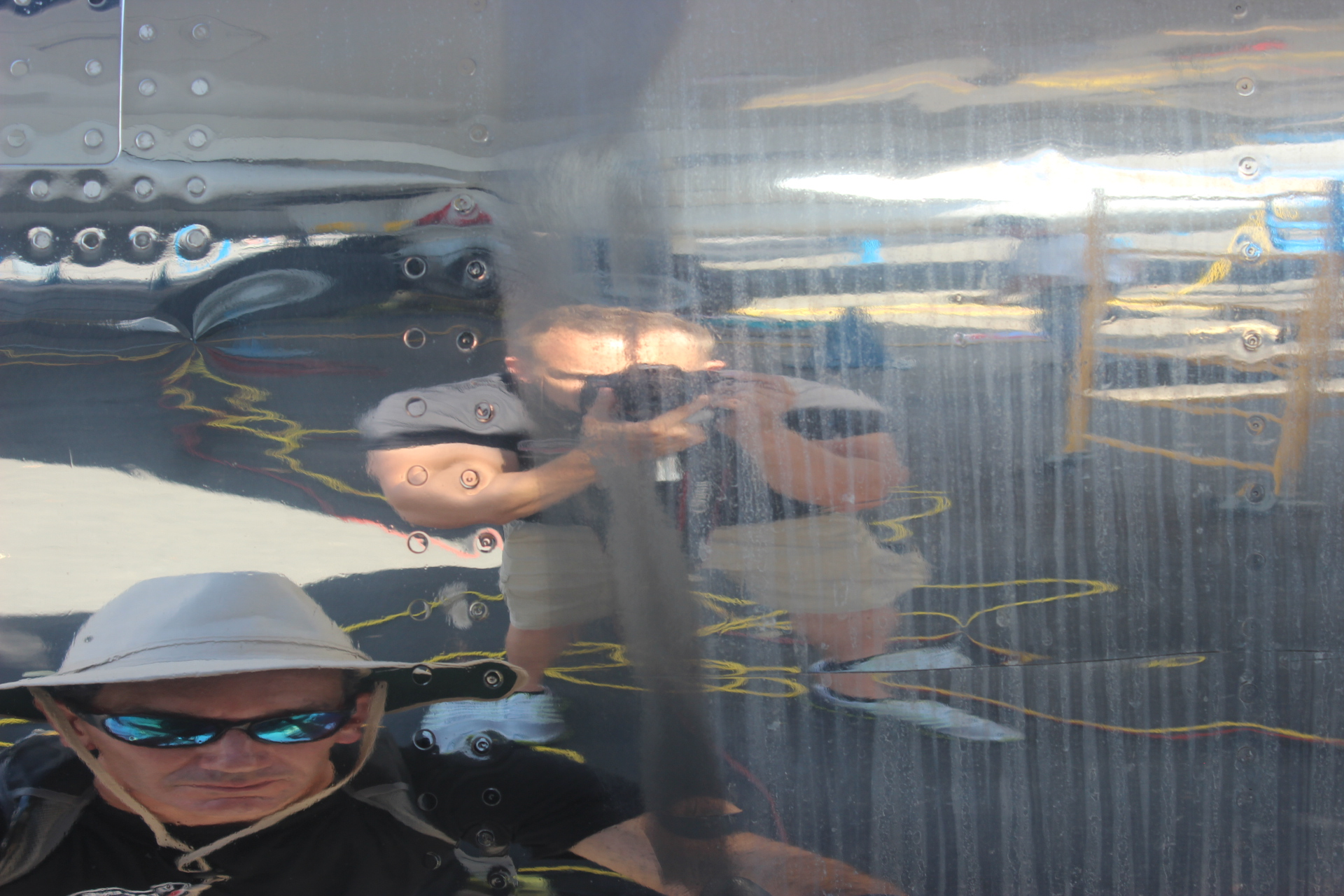 Test spot on the engine of Air Force One: MIRROR RESULT