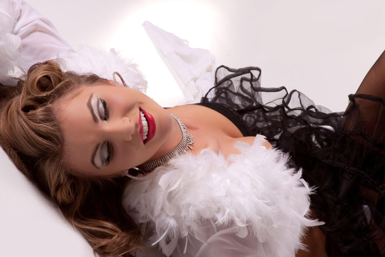 Nina+Laying+Smile-715139772-O.jpg