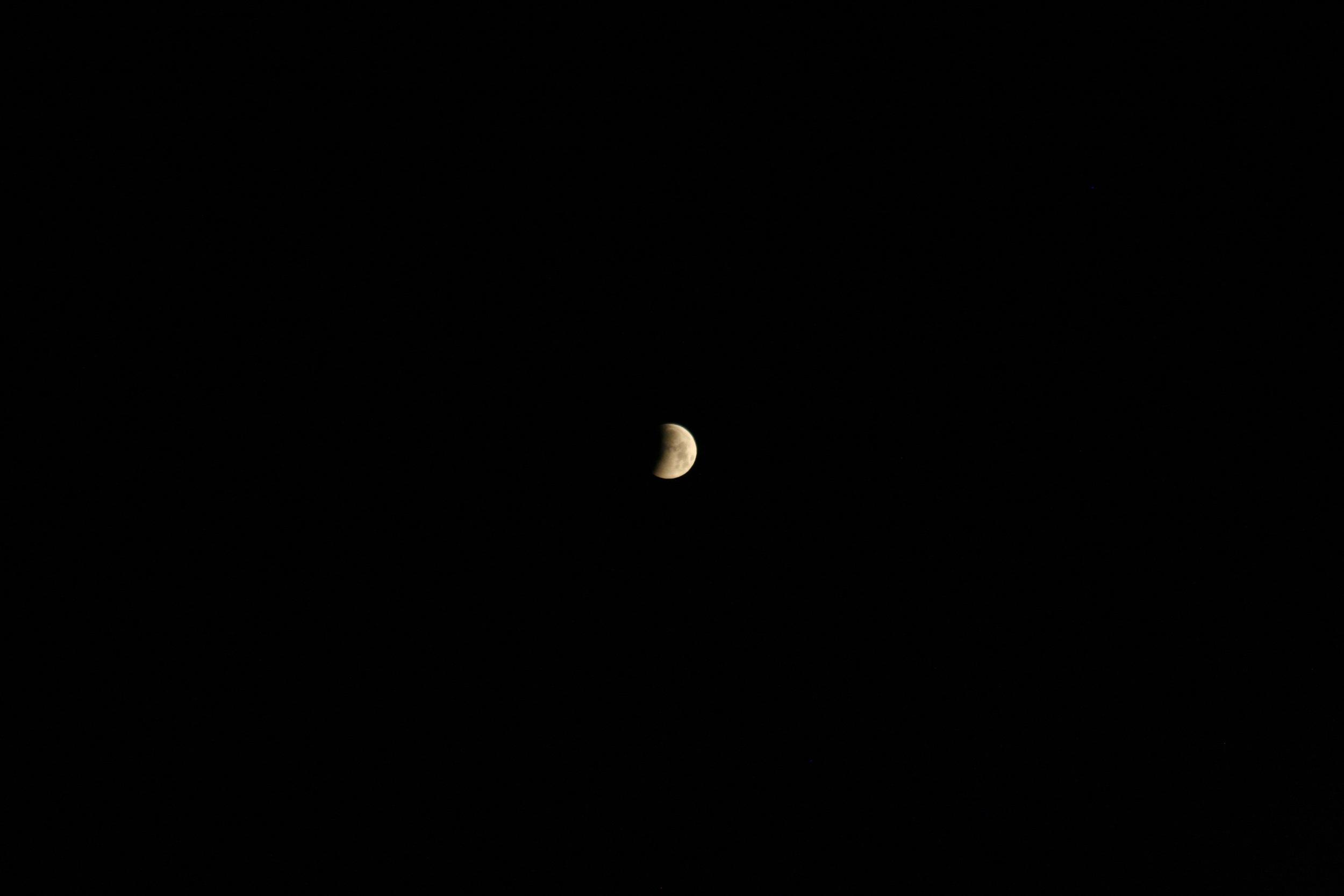 Lunar Eclipse April 20151.jpg