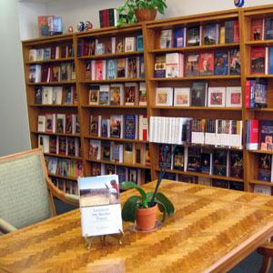 bookshelvestable.jpg