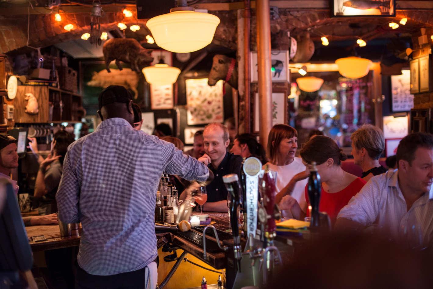 How Restaurant Blogs Redefined Dining Forever - Grub Street (9/22/16)
