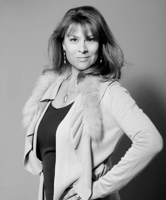 Carolyn Dickinson.jpg