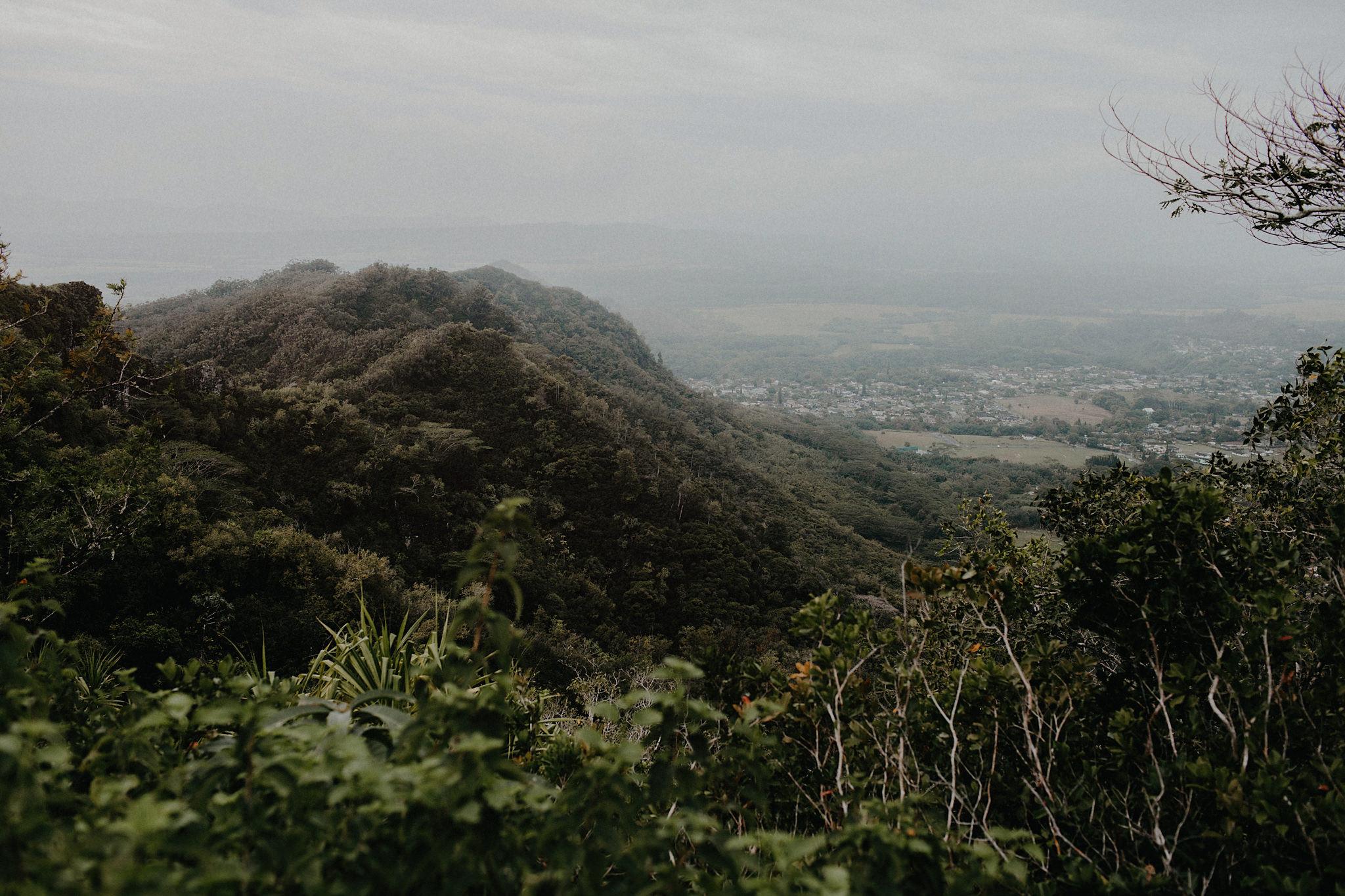 hawaii elopement mountain photo