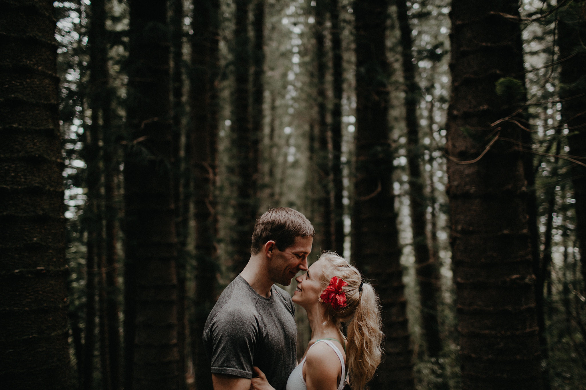 hawaii elopement bride groom laughing jungle trees photo