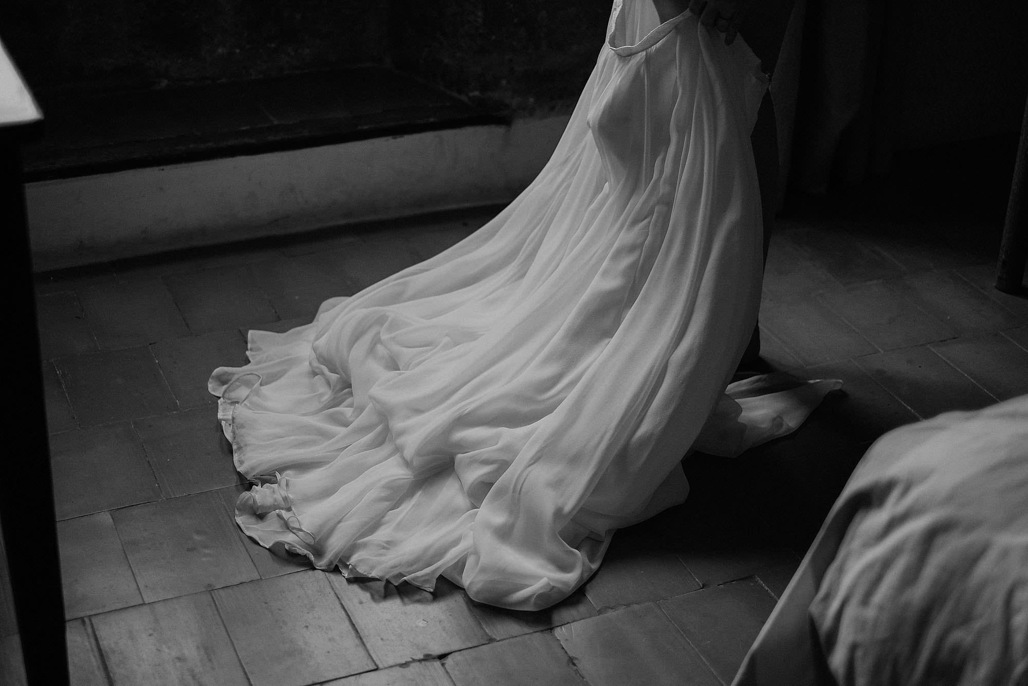 goult provence france elopement vow renewal dress photo