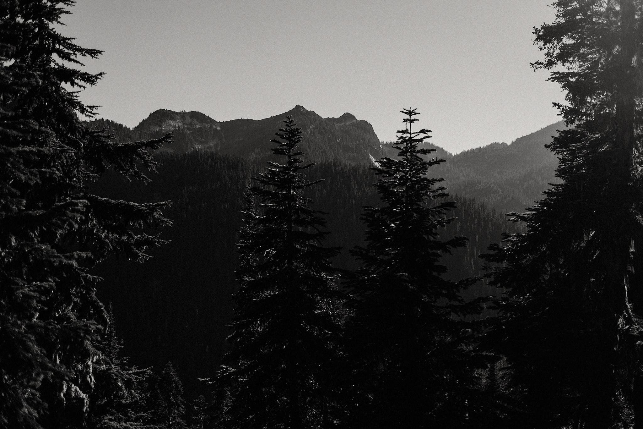 cascade mountains sunset photo