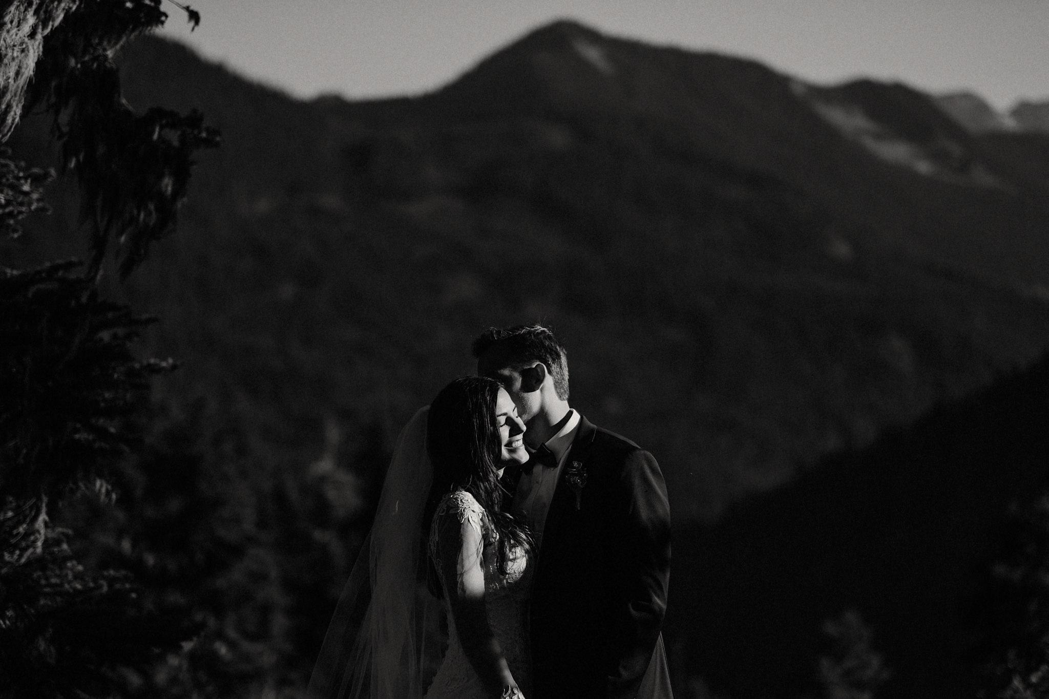 mindy-michael-cascade-mountains-elopement-wedding-37.jpg