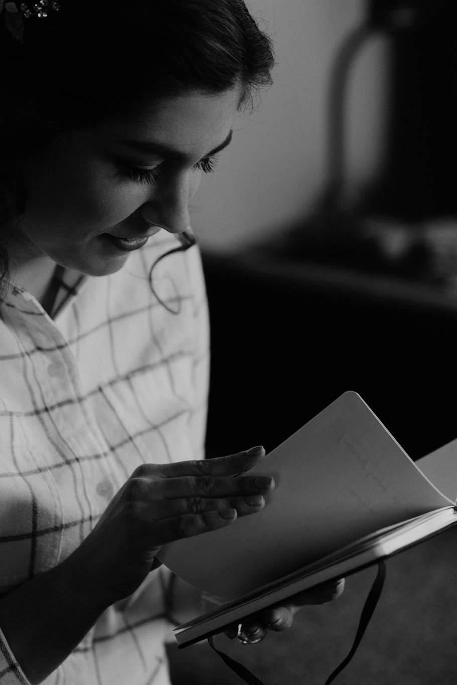 cincinnati warehouse wedding photographer bride reading letter