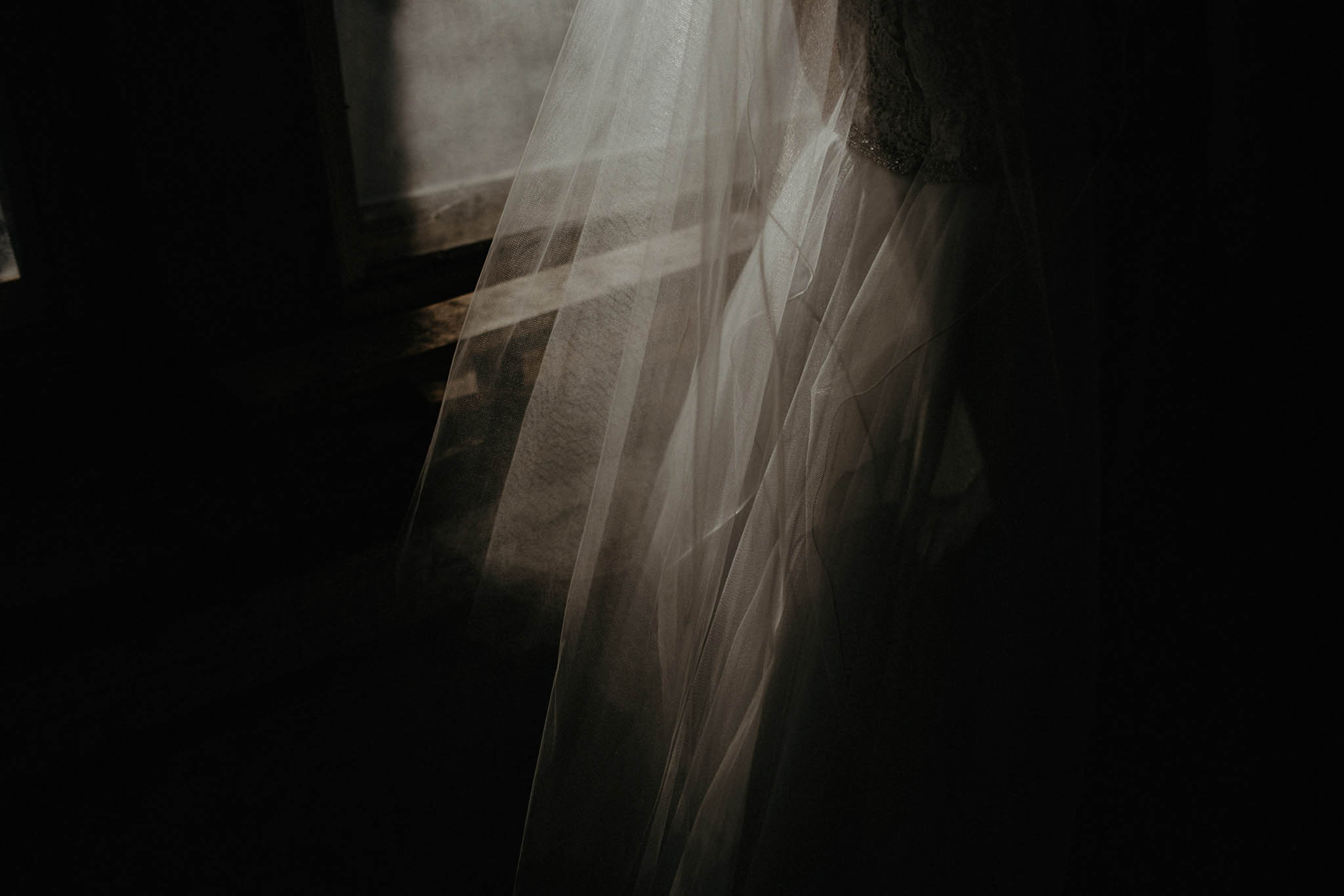cincinnati warehouse wedding photographer bride dress shadow
