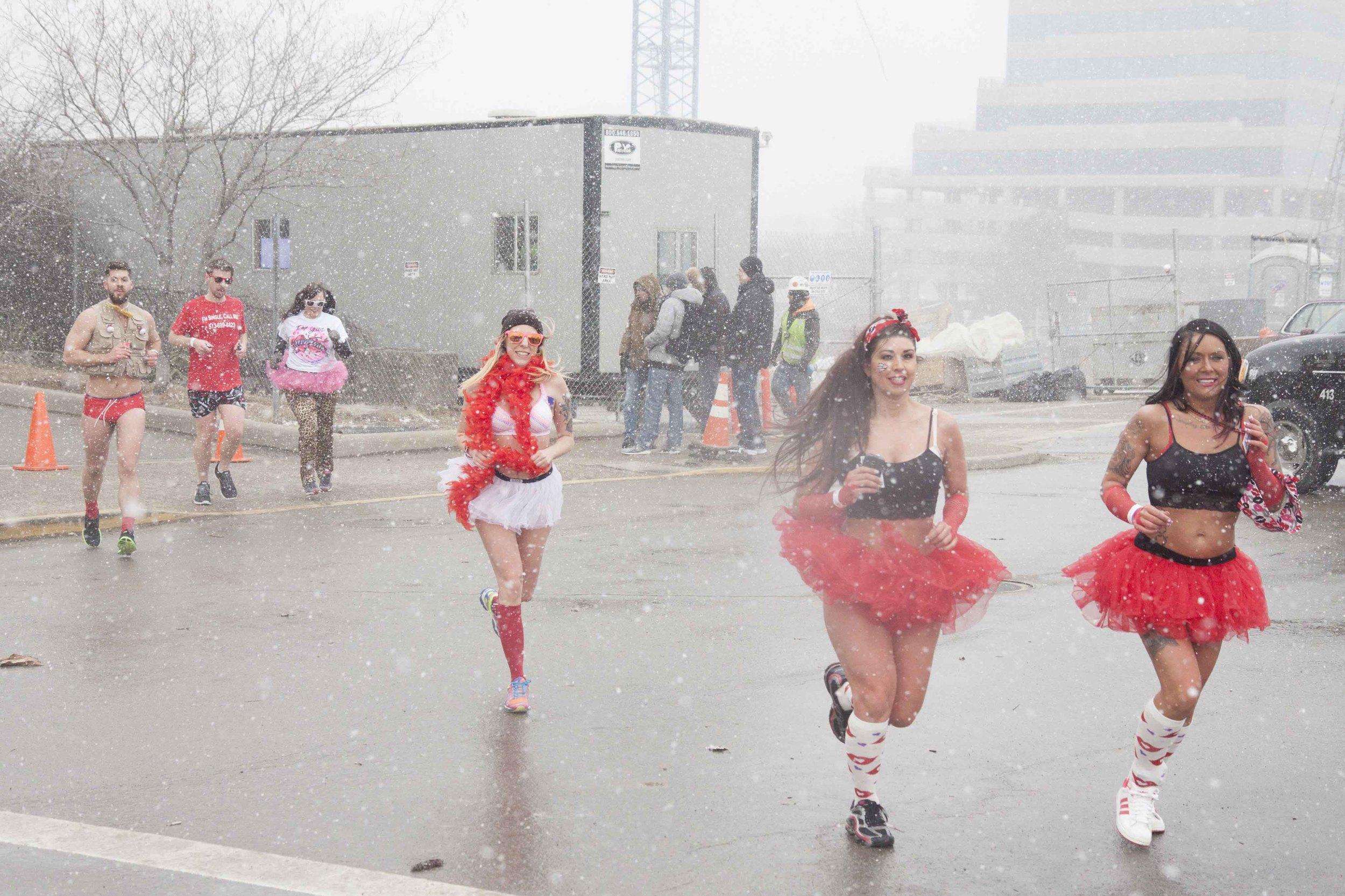 Cincinnati Cupid Undie Run 2015 - 22.jpg