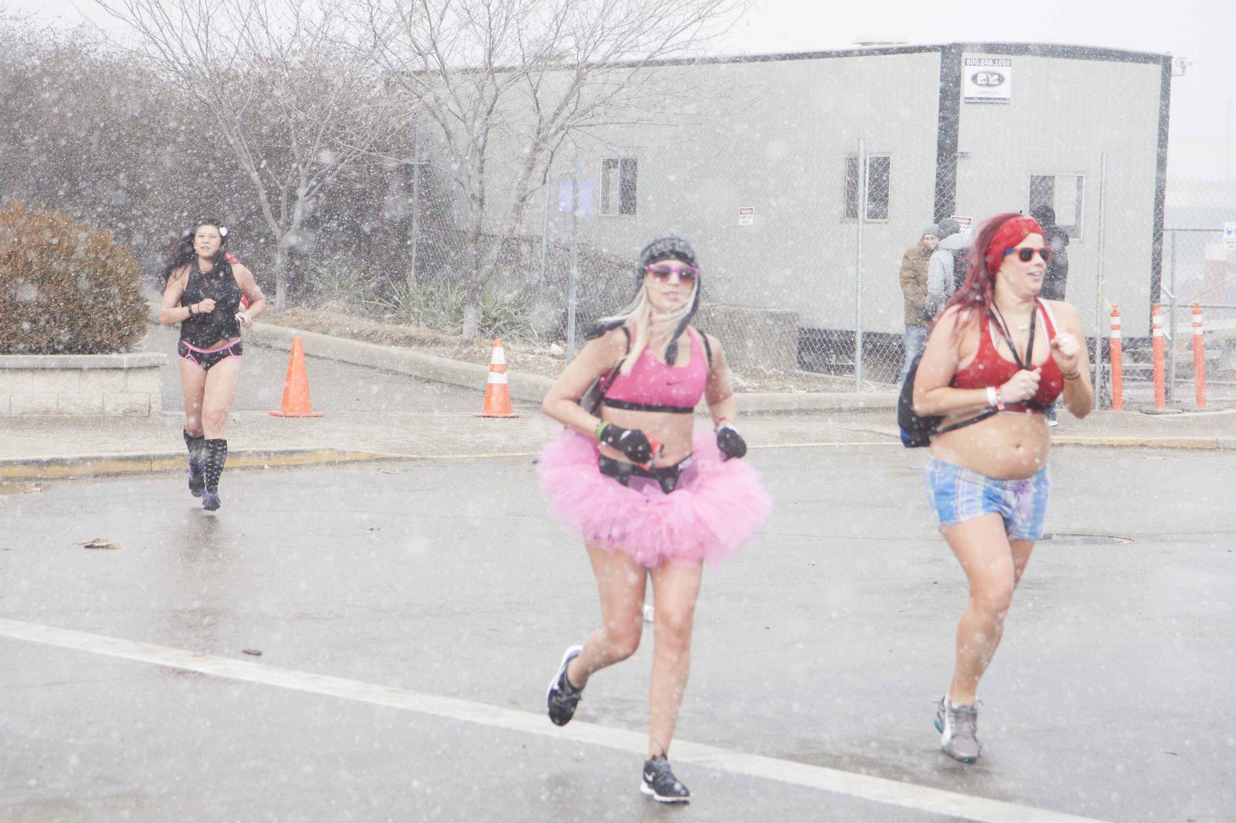 Cincinnati Cupid Undie Run 2015 - 23.jpg