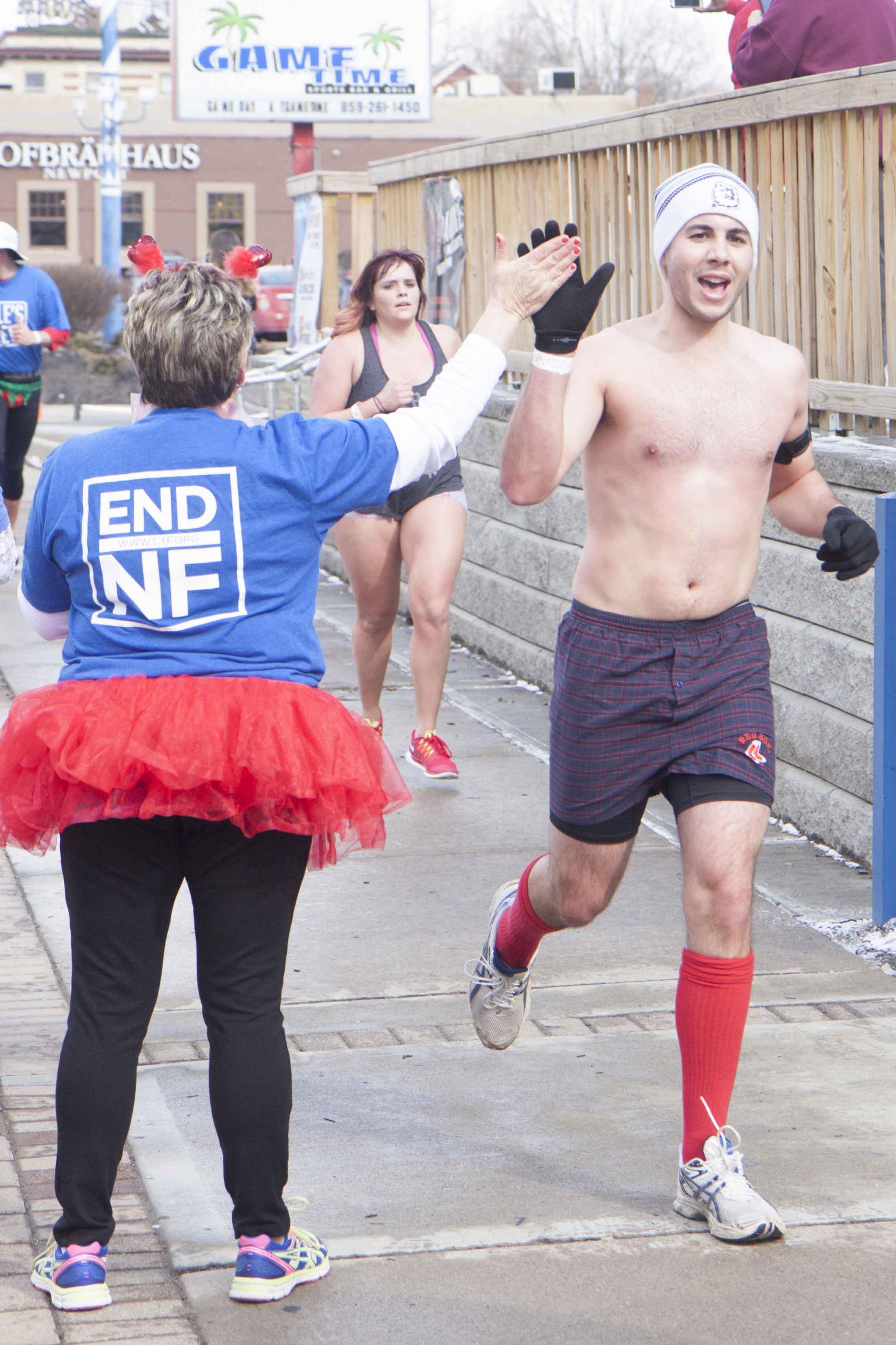 Cincinnati Cupid Undie Run 2015 - 47.jpg