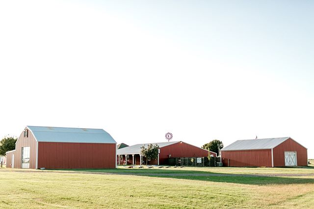Looking for the perfect place to host your upcoming party or event? We've got a barn for that!   Send us a message about your upcoming party or event and we'll help you find the barn that's a perfect fit!     Photo by Emily Nicole Photo [www.emilynicolephoto.com]