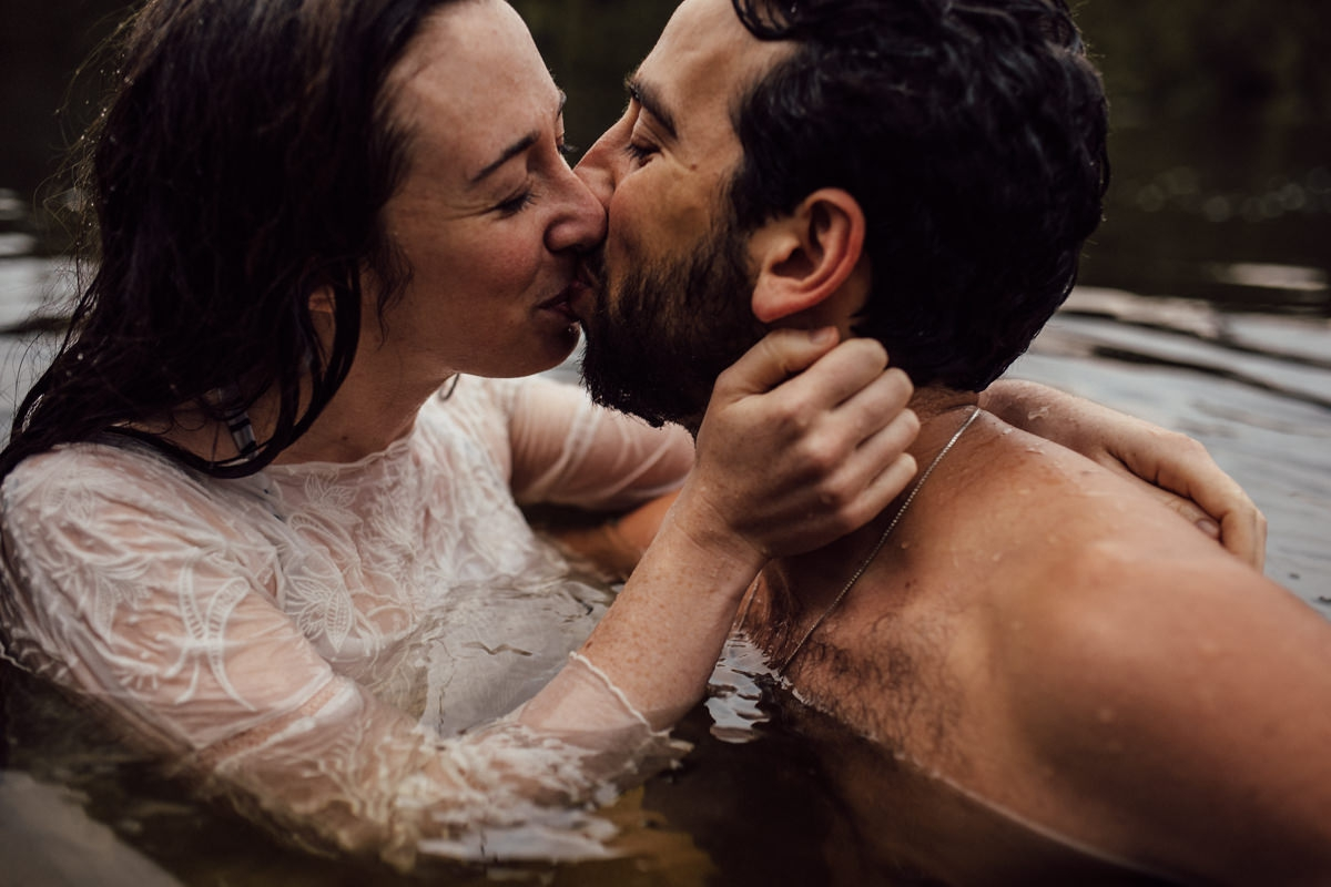 Best outdoor engagement photos