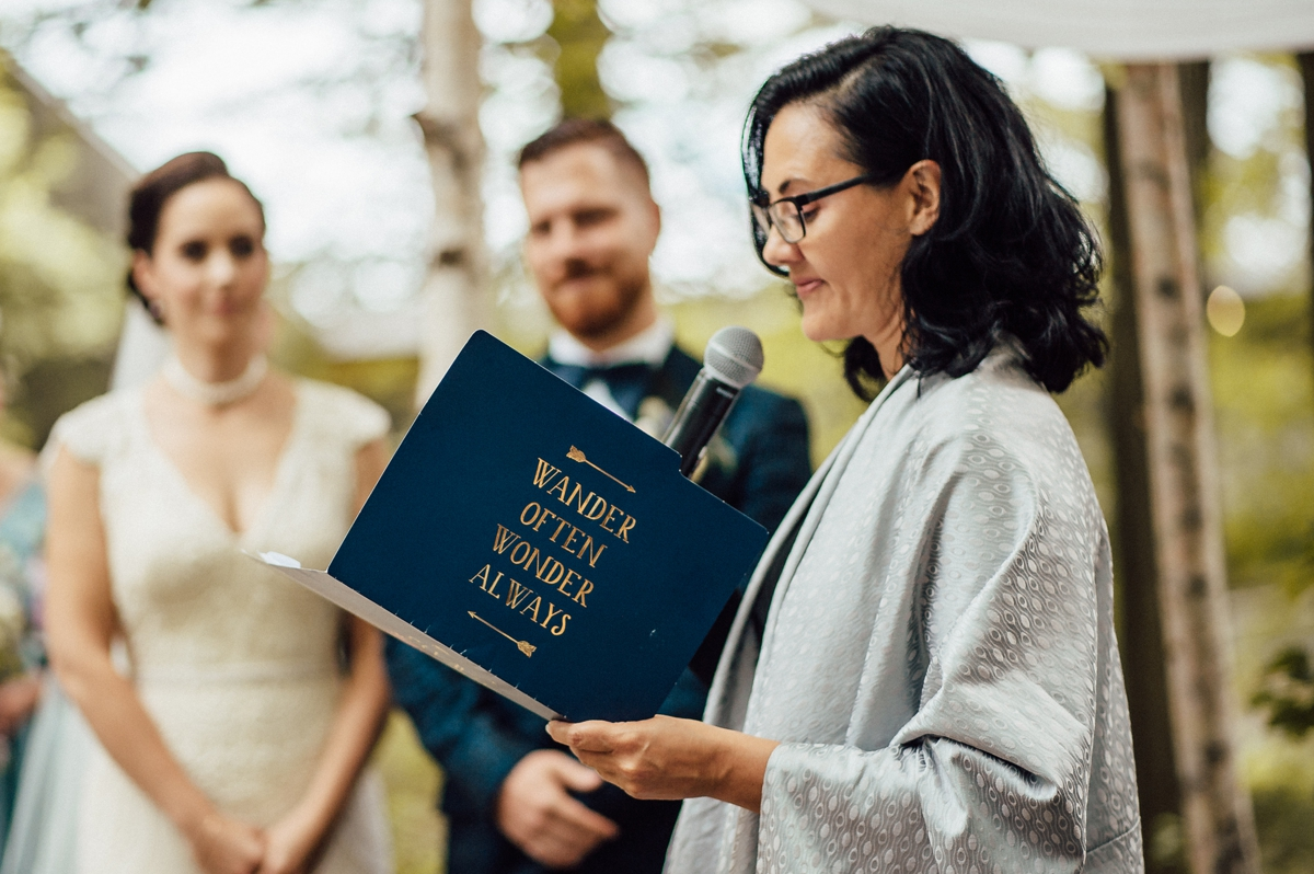 unique and modern officiant