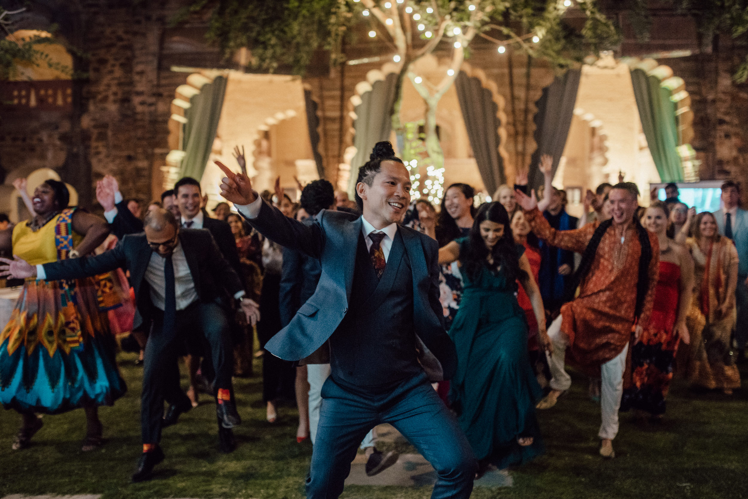 Flash mob at destination wedding