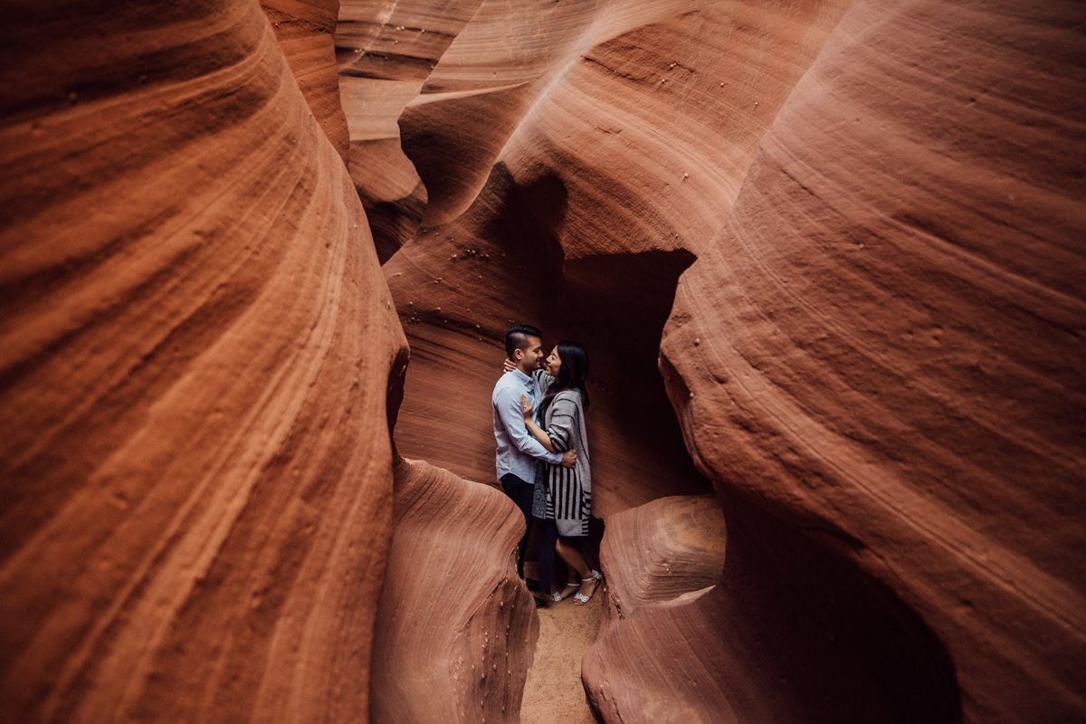 adventurous arizona engagement photos