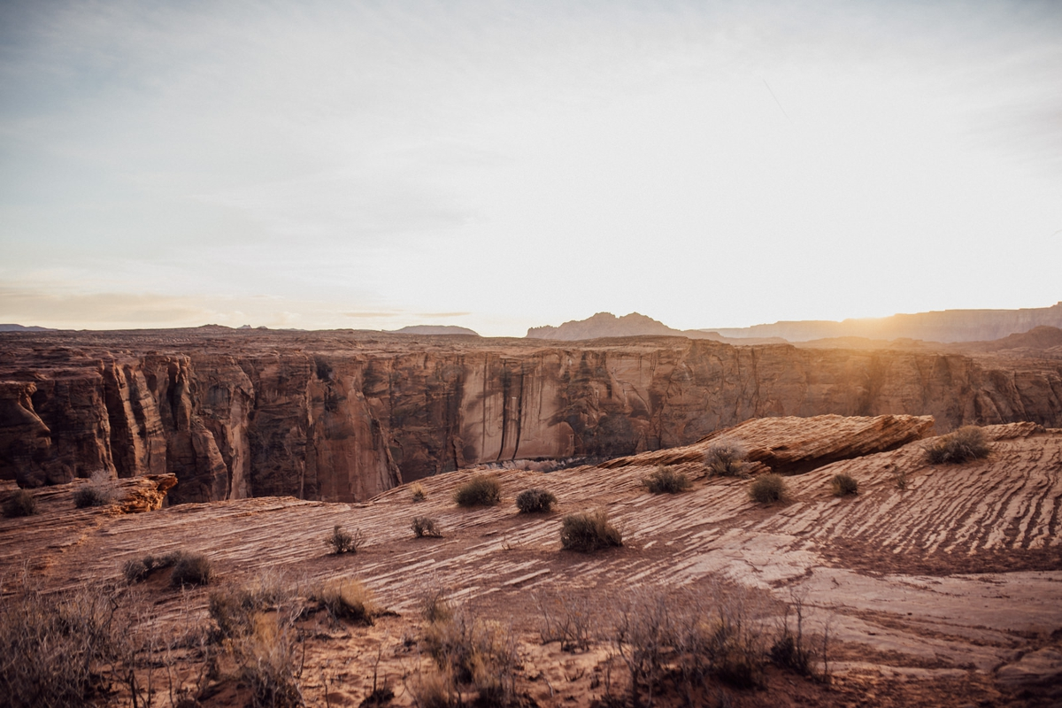 horseshoe bend engagement photos