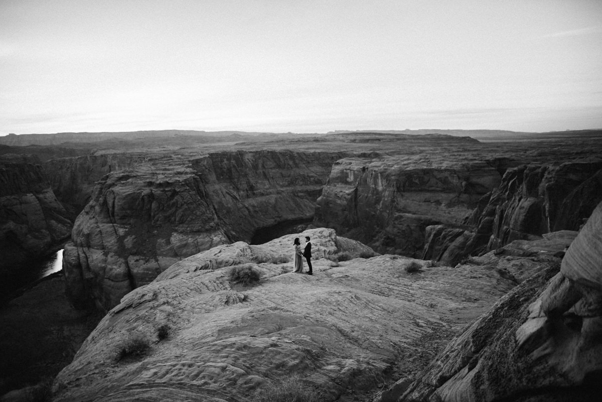documentary horseshoe bend engagement photos