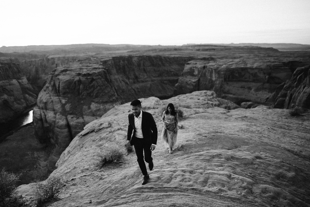creative Arizona engagement photos