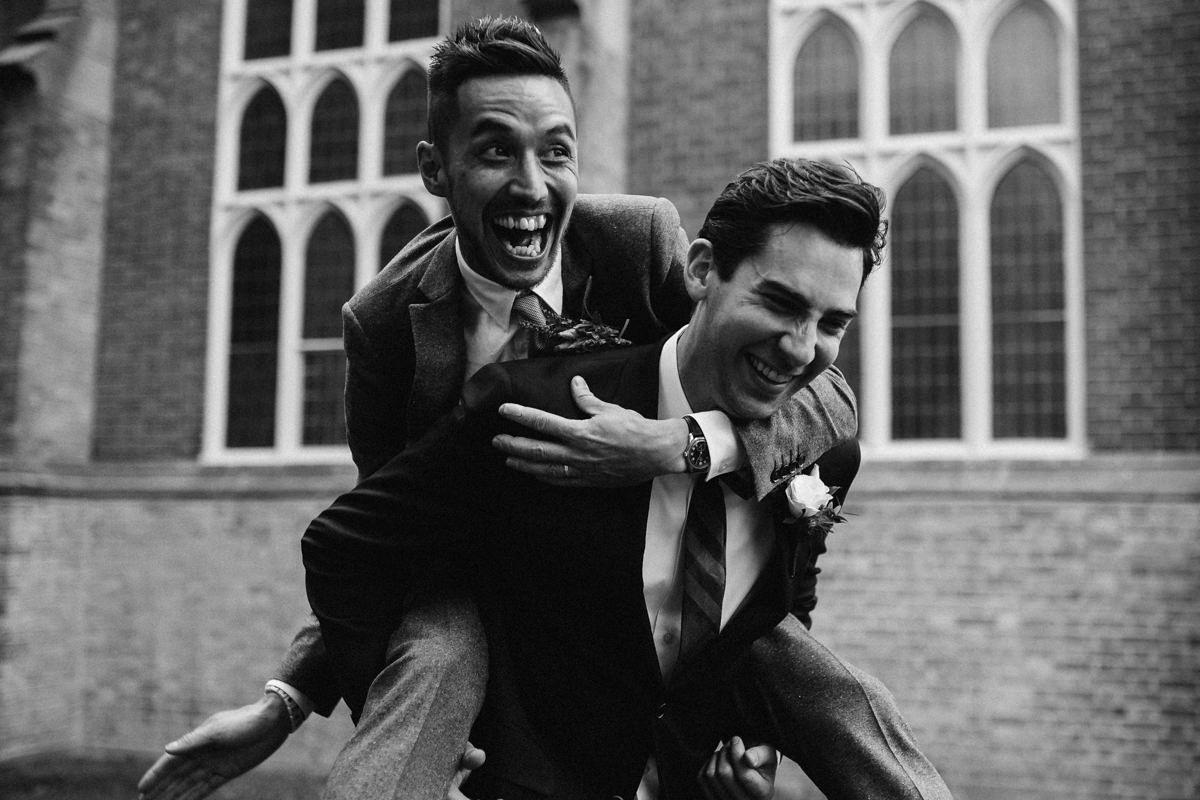 Creative toronto bridal party photos