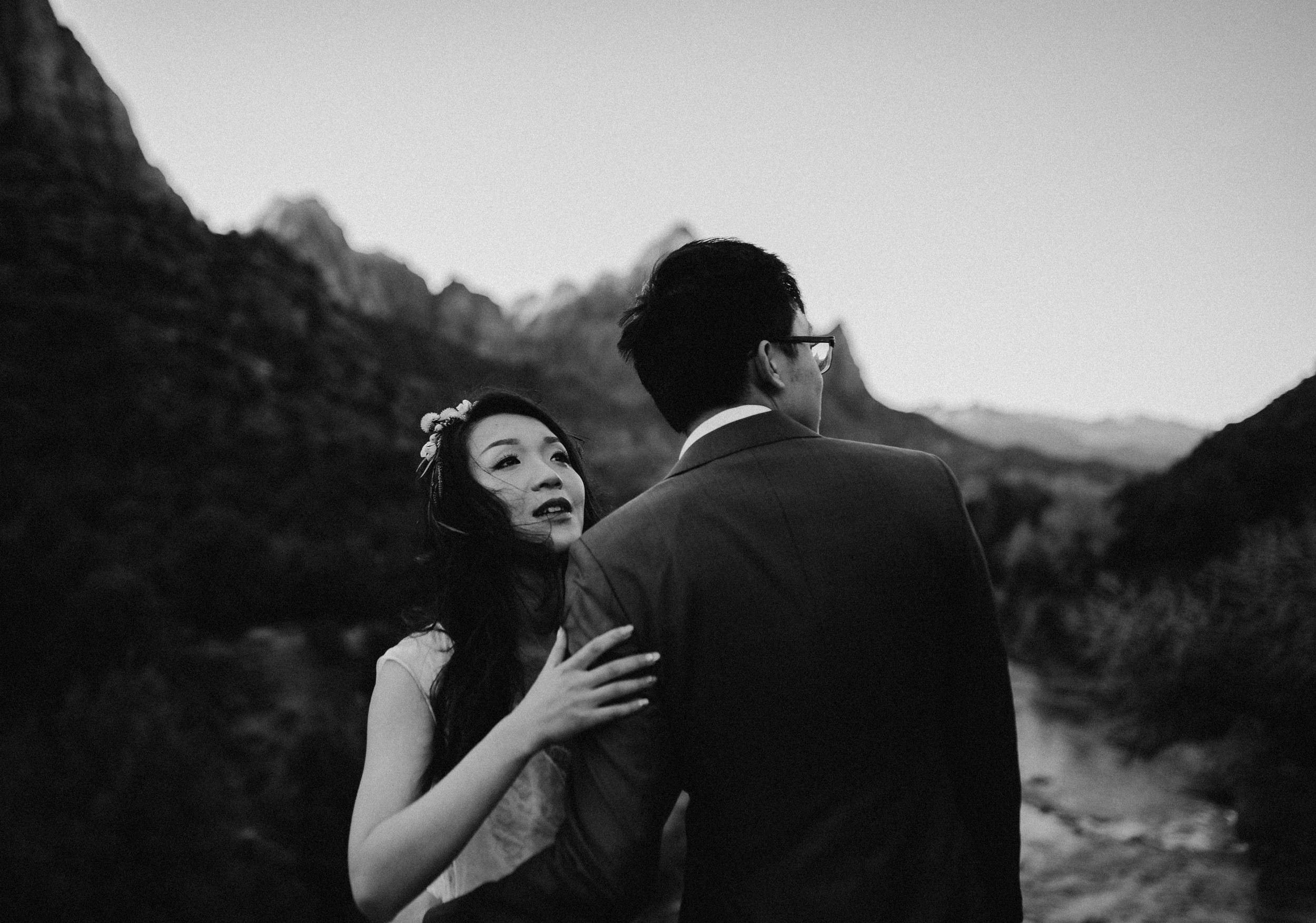 candid utah wedding photography