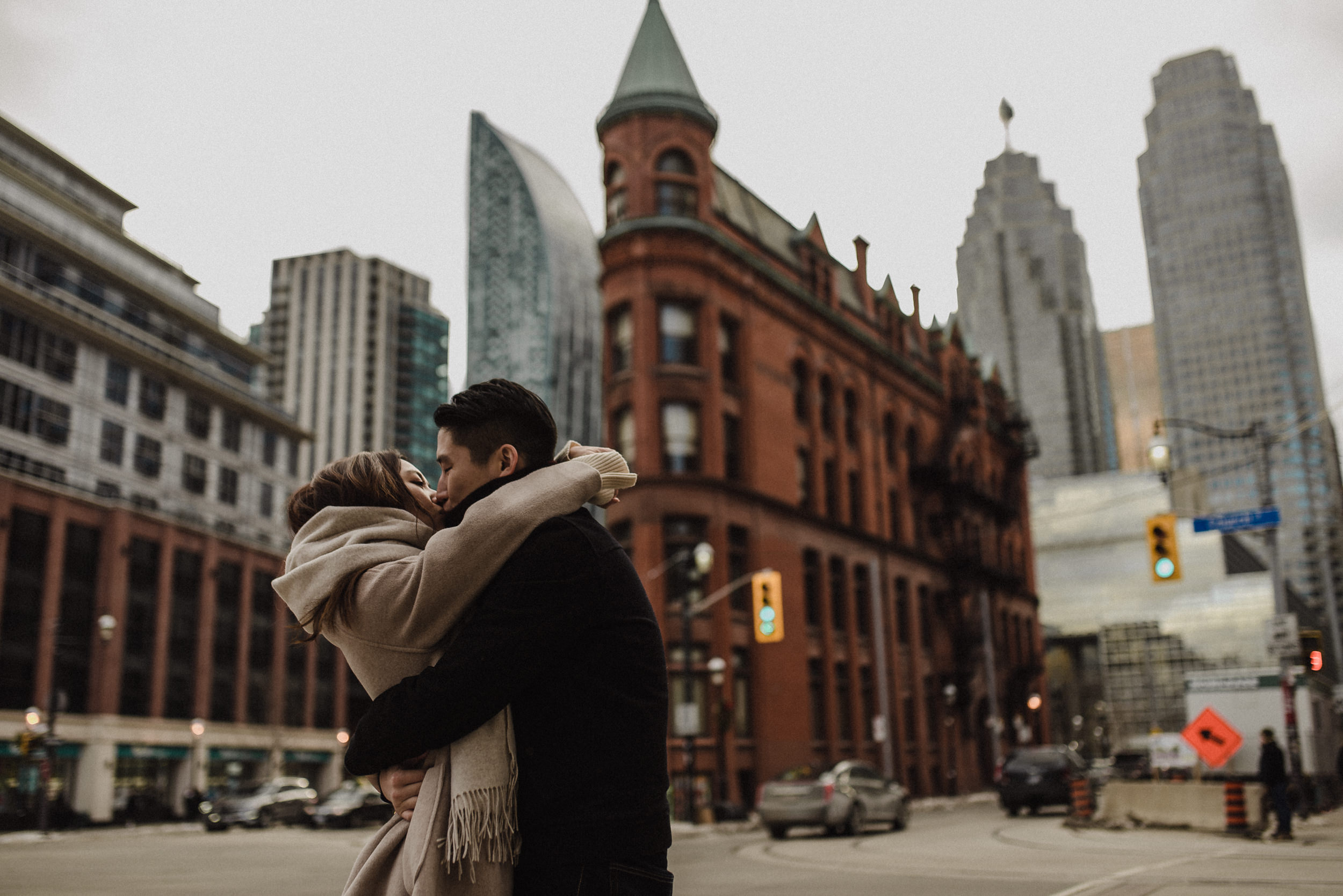 candid-toronto-engagement-photos