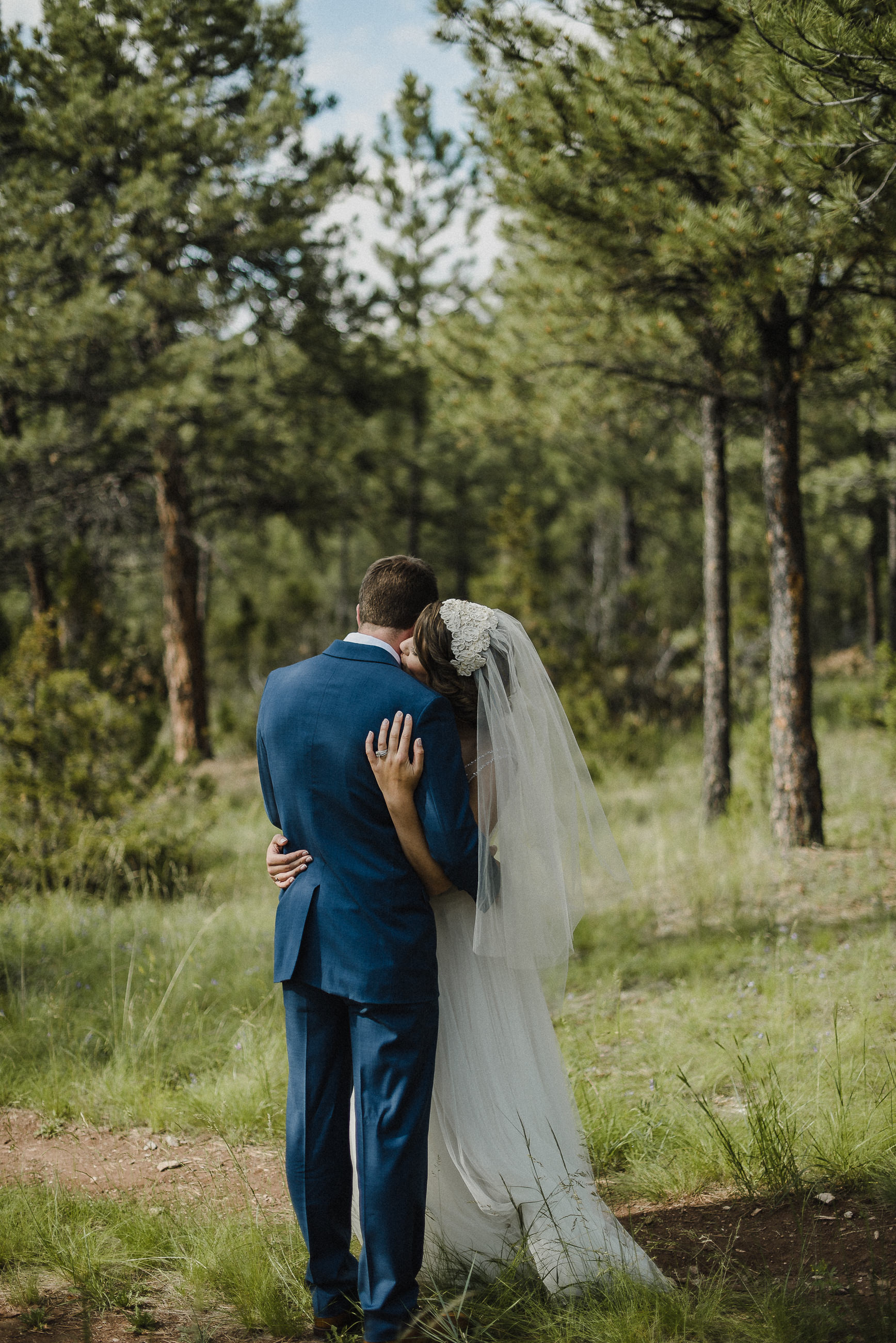 Beautiful outdoor cuddle at Montana venue