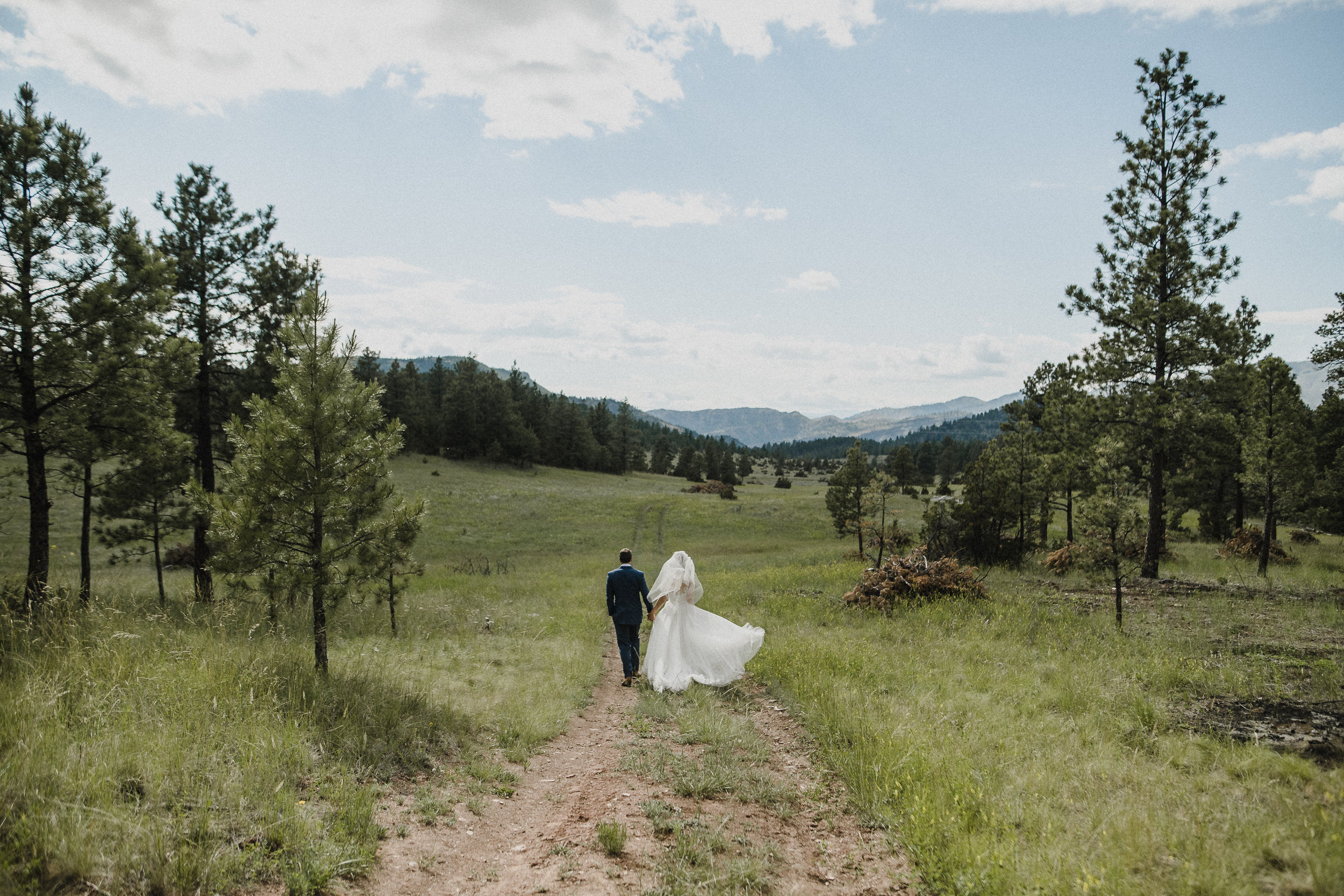 Adventurous destination wedding at Summer Star Ranch