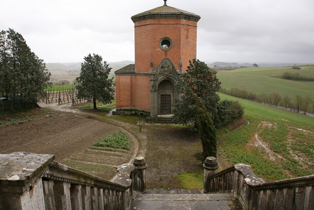 Chapel in Quinciano, Siena, Tuscany