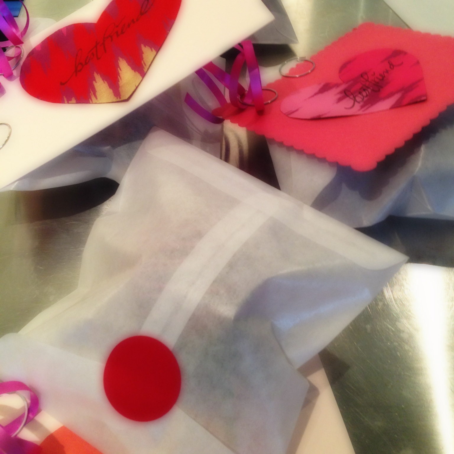 :: chocolate covered strawberries and their packaging ::