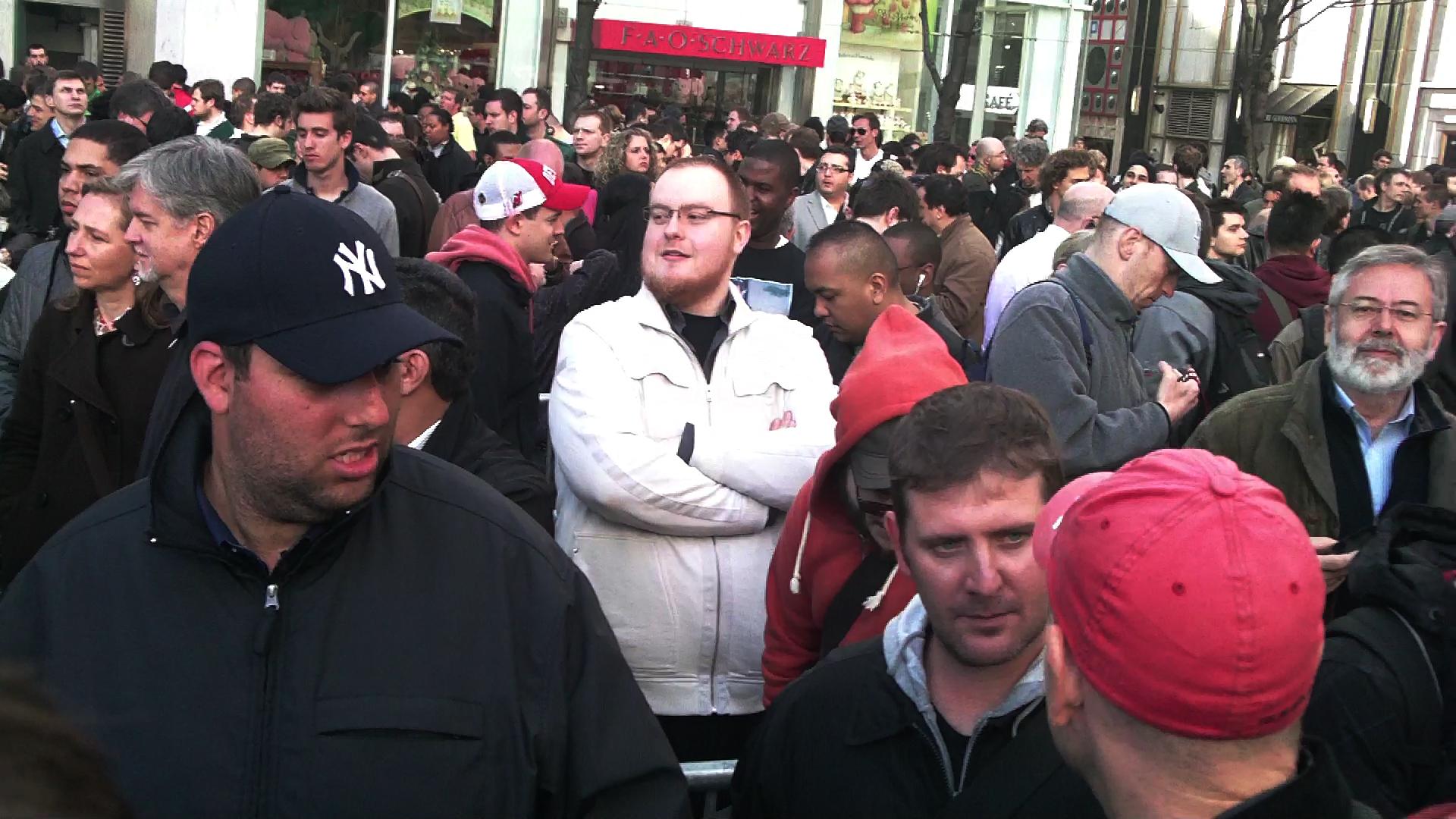 crowd1.jpg
