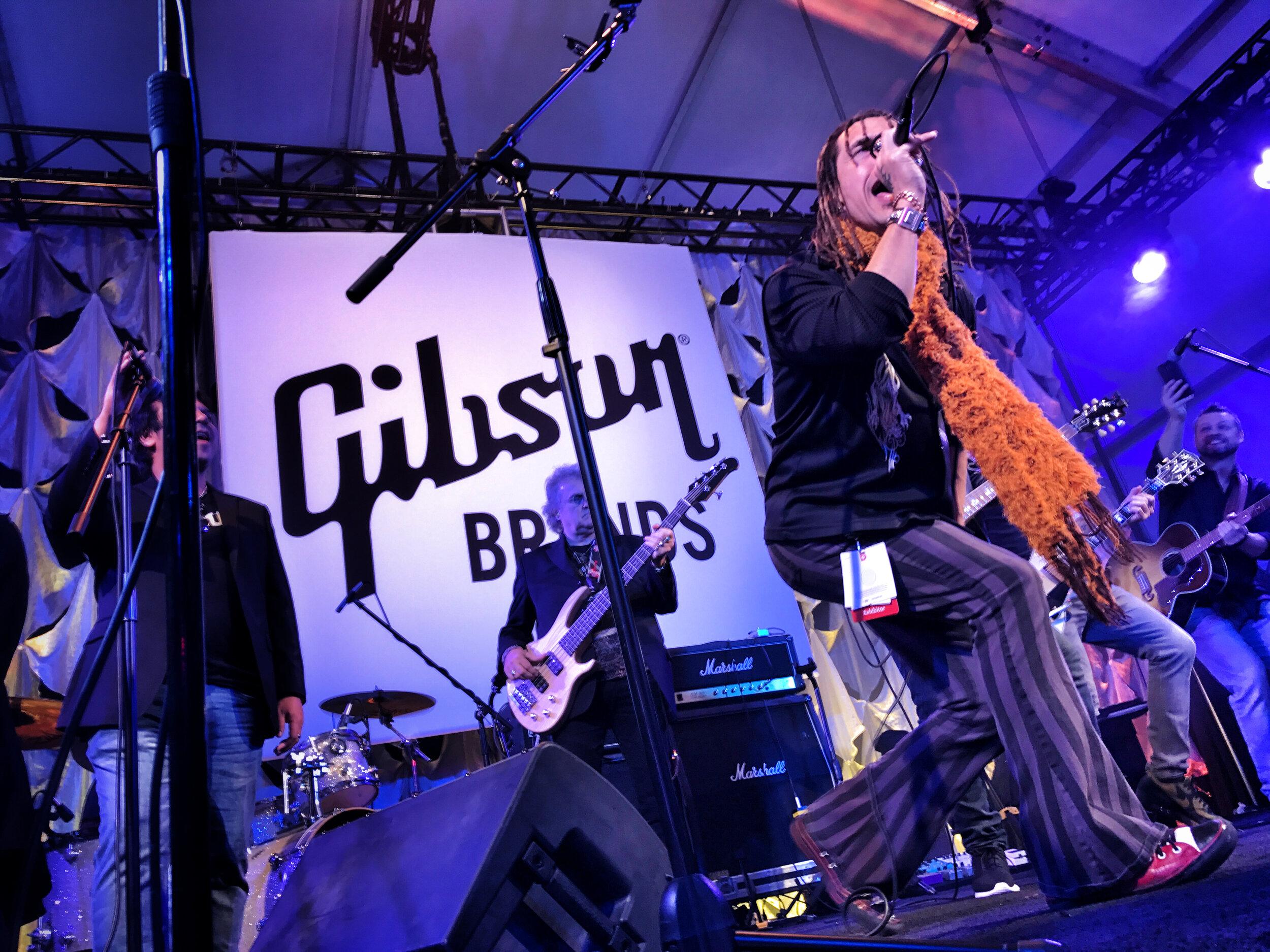 CES2017_Gibson3.JPG
