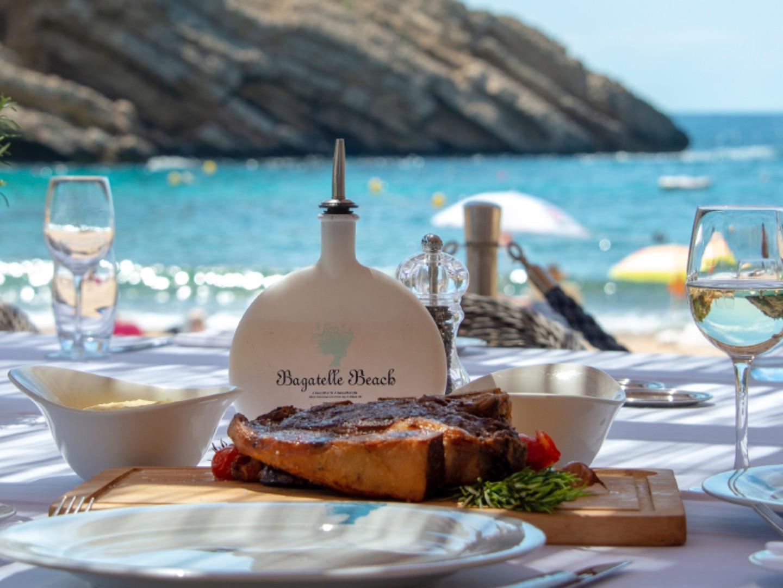 BAGATELLE BEACH - St Tropez