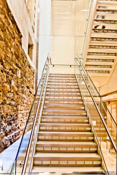 PUB_NYPL-(10)Entrance_Bridge_stairs.png