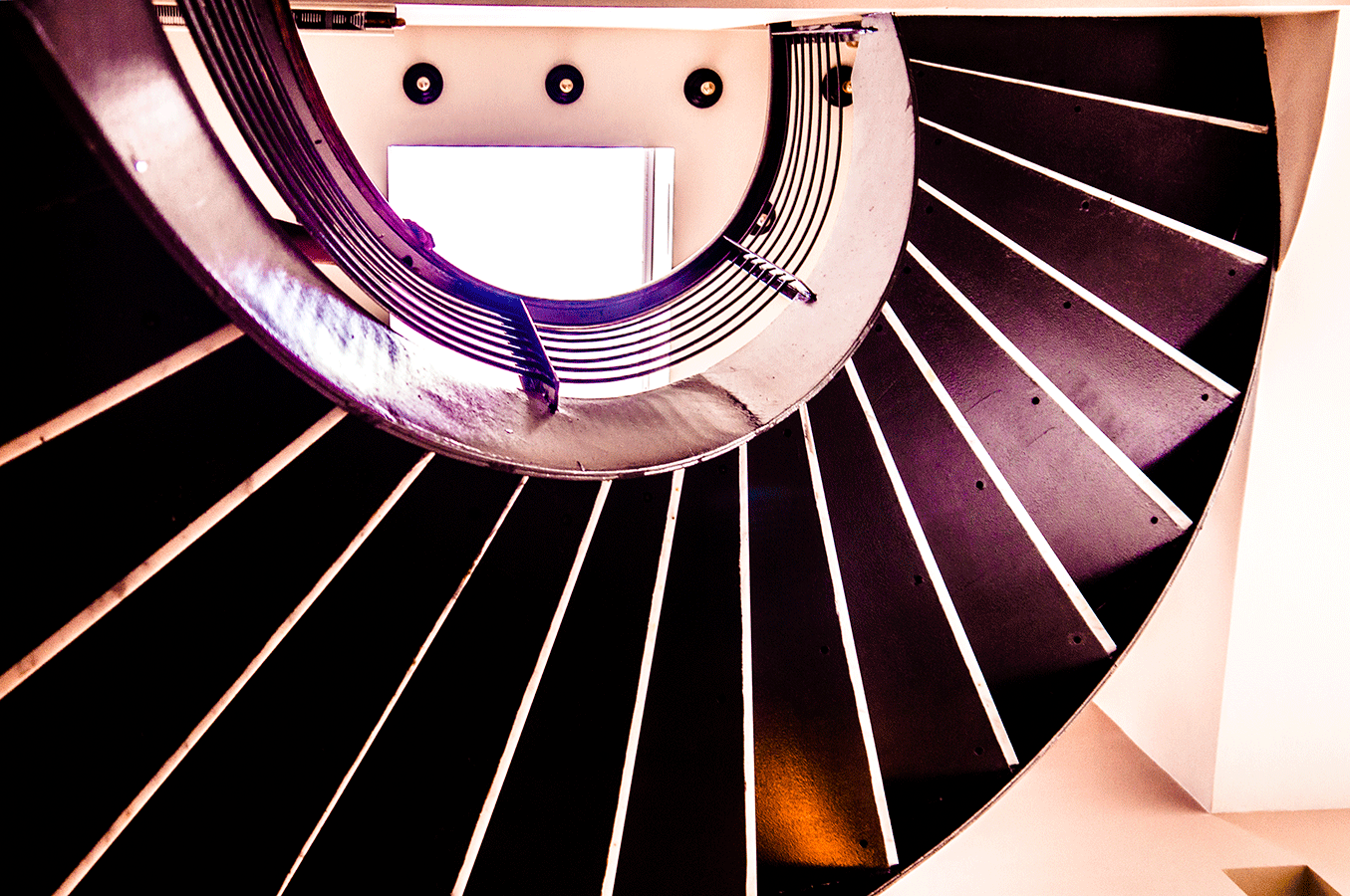 9thAve_802-(42)stair.png