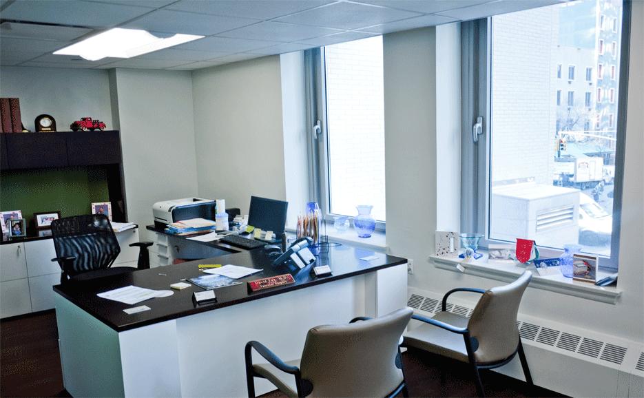 COM_E62_200_office.png