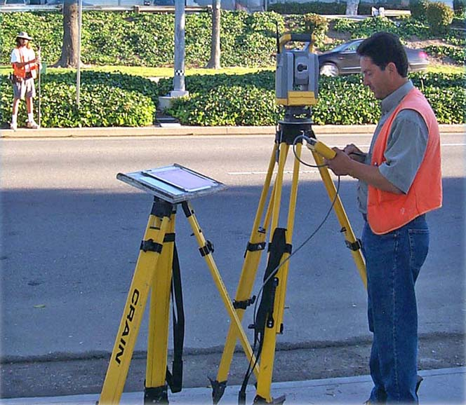 trimble_total_station.jpg