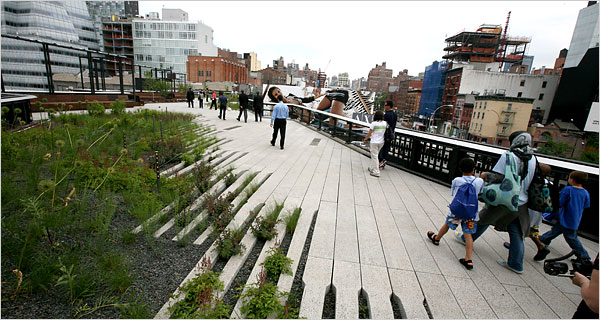 Highline, New York, NY   Walkway view