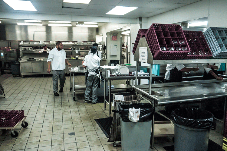 COM_MN_E56th_111_Lombard_Kitchen02.png