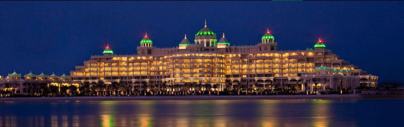 RES_Palm_Kempinski_Hotel_night.PNG