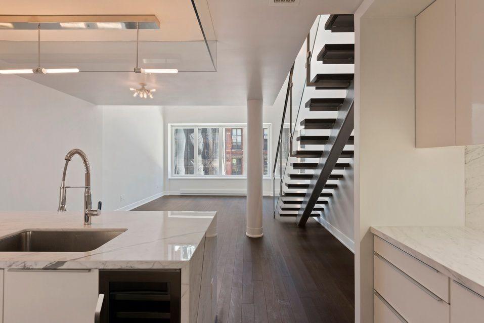 RES_MN_Franklin_5_03_kitchen_stairs.jpg