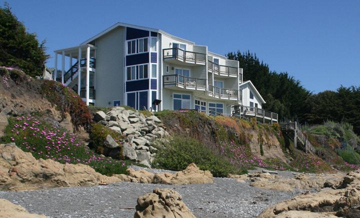 Shelter-Cove-Ocean-Front-Inn.jpg